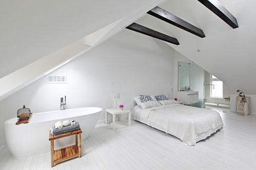 Leuke ideeën voor een witte slaapkamer op zolder | Slaapkamer ideeën