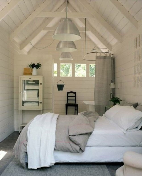 Oude schuur verbouwd tot landelijke slaapkamer