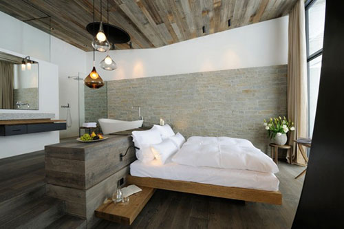 Hotel Met Bad In Slaapkamer : Rustieke slaapkamer van het Wiesergut ...