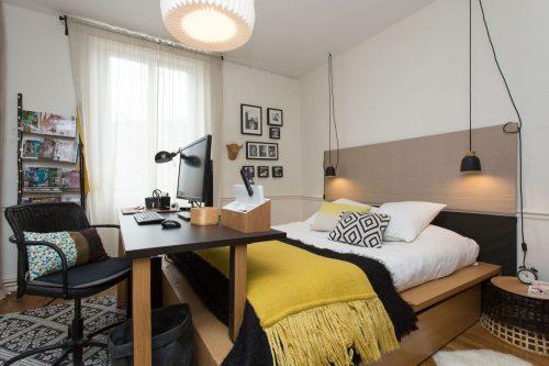 Nachtlampen Slaapkamer : Slaapkamer kantoor combinatie uit Frankrijk ...