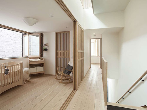 babykamer met veel hout  slaapkamer ideeën, Meubels Ideeën