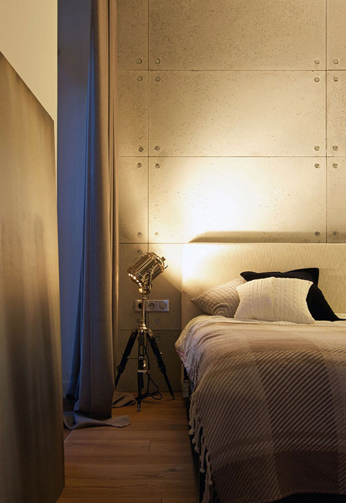 Betonnen muren en houten vloer in slaapkamer  Slaapkamer ideeën