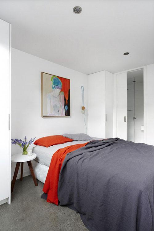 Betonnen vloer in moderne slaapkamer  Slaapkamer ideeën
