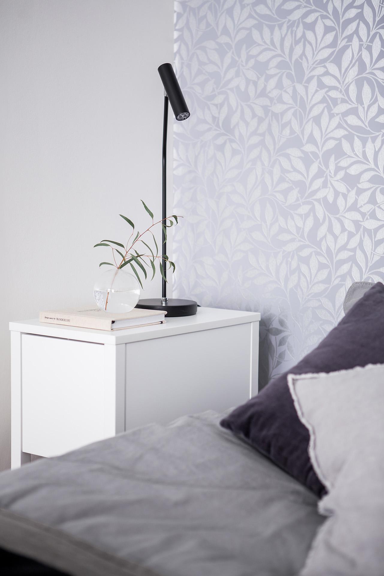 bloemetjes-behang-open-slaapkamer