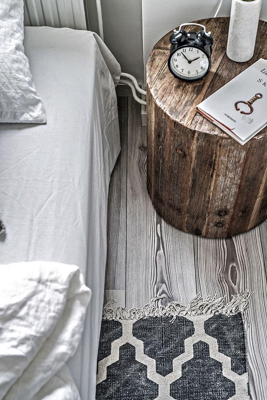 boomstam-nachtkastje