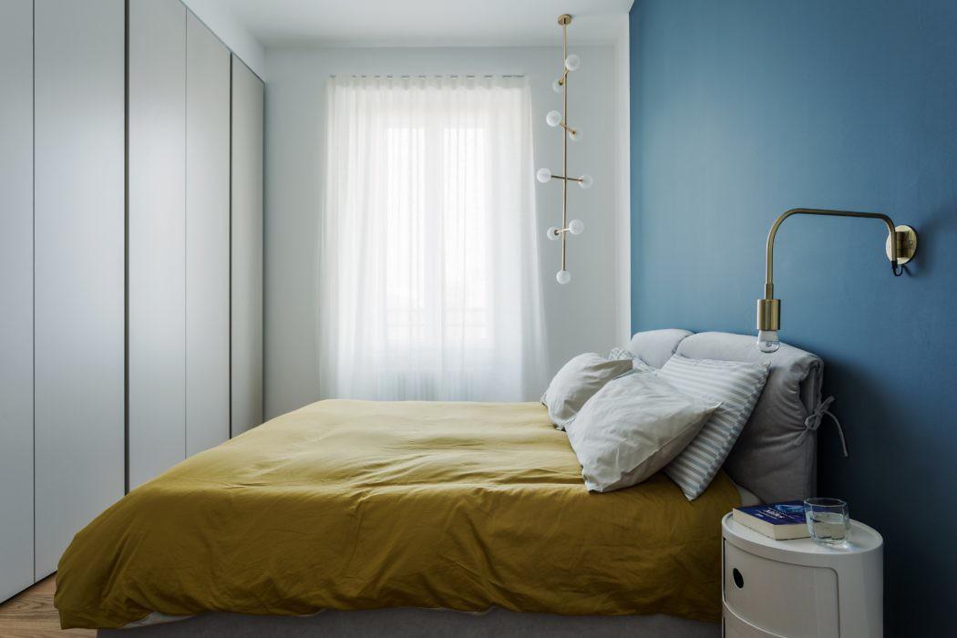 Deze slaapkamer is minimalistisch chique ingericht