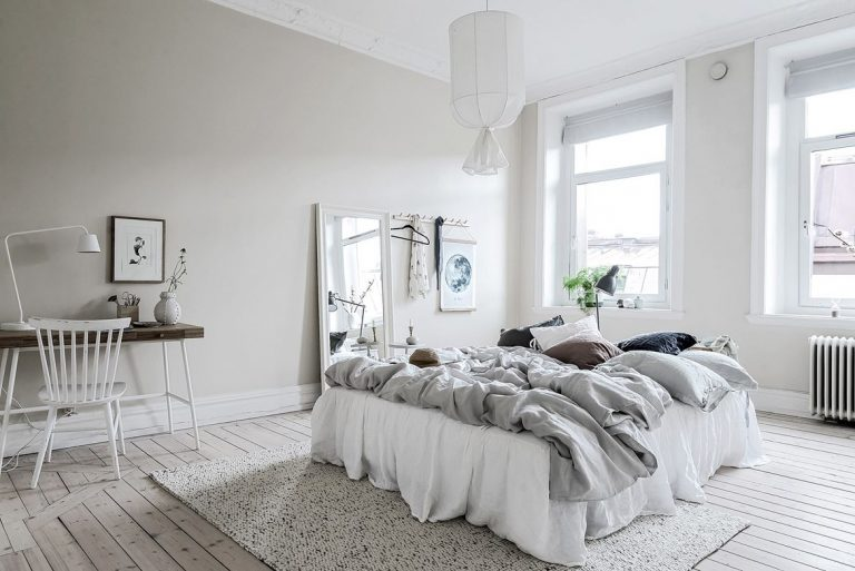 Dromerige slaapkamer in scandinavisch appartement in götheborg