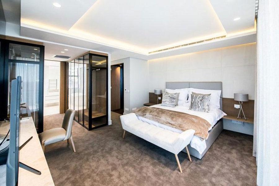 Een echte luxe slaapkamer suite van een penthouse appartement