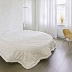 Eigentijdse slaapkamer met luxe uitstraling
