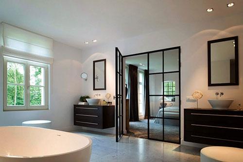 Elegante slaapkamer met aardetinten