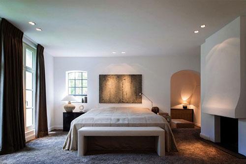 Stoel Voor Slaapkamer : Elegante slaapkamer met aardetinten Slaapkamer ...