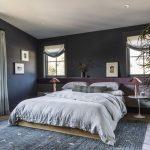 Exclusieve slaapkamer met donkere kleurtinten