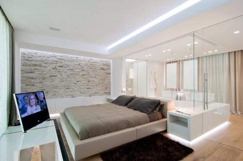 http://www.slaapkamer-ideeen.nl/wp-content/uploads/glazen-wand-tussen-luxe-slaapkamer-en-badkamer-500x332.jpg