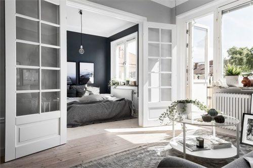 Deuren Voor Slaapkamer.Grijswitte Slaapkamer Met Openslaande Deuren Slaapkamer Ideeen