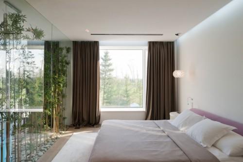 Groen in een transparante slaapkamer  Slaapkamer ideeën