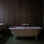 Stijlvol slaapkamer ontwerp met bed in inham