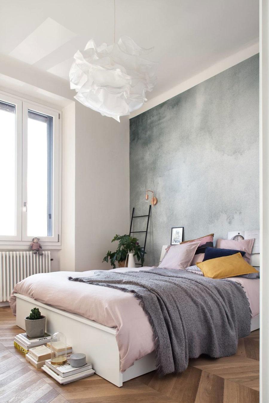 In deze mooie slaapkamer hebben de de jaren '50 stijl gecombineerd met Scandinavisch