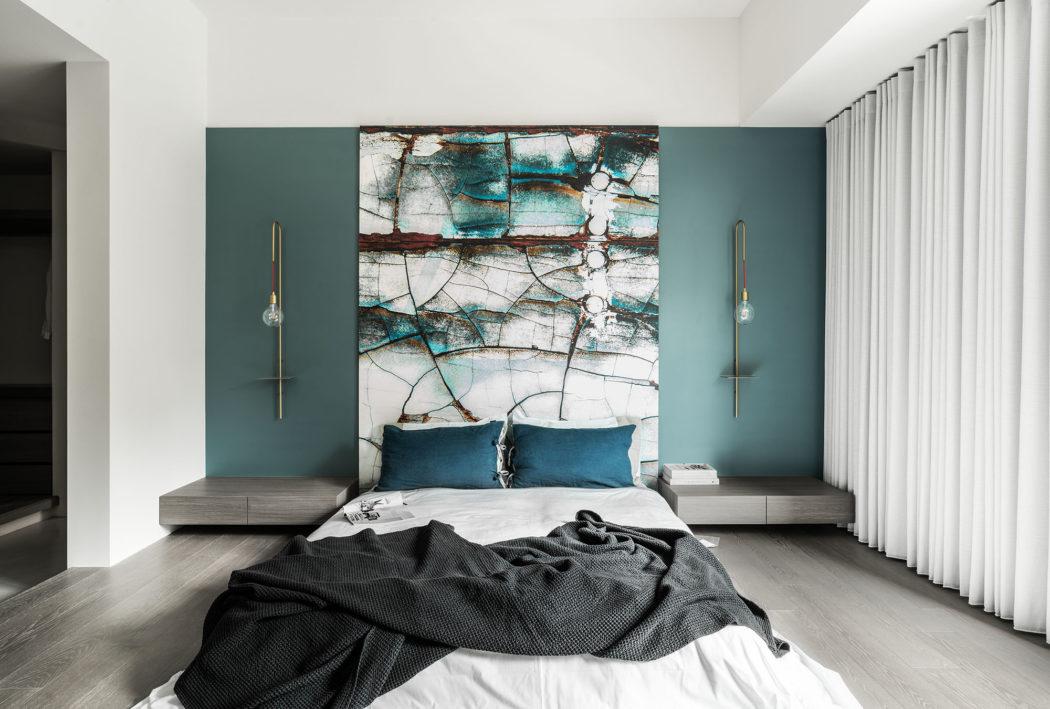 In deze slaapkamer is modern gecombineerd met klassiek