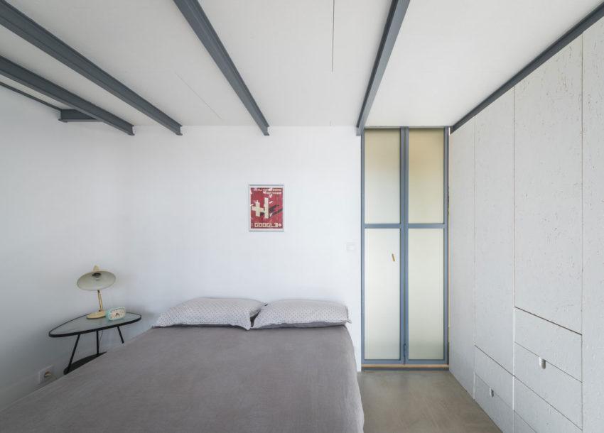 In dit appartement zijn de twee slaapkamers boven elkaar ingericht