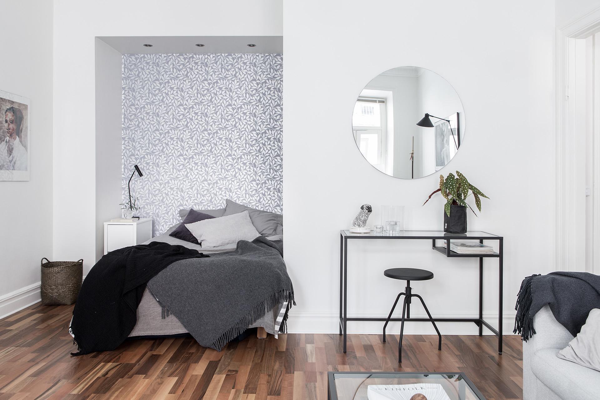 in-dit-kleine-appartement-hebben-ze-gekozen-voor-een-open-slaapkamer