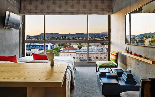 Industriële kleurrijke slaapkamer van The Line Hotel