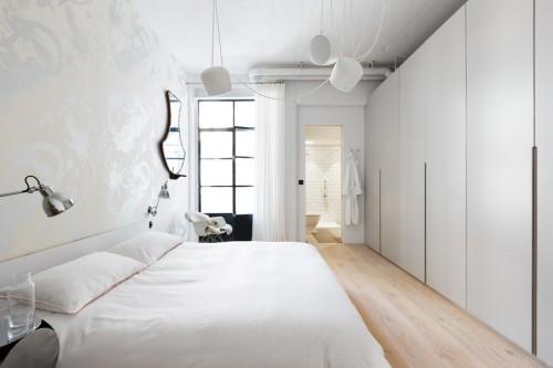 Slaapkamer Behang : Industriële slaapkamer met romantisch behang ...