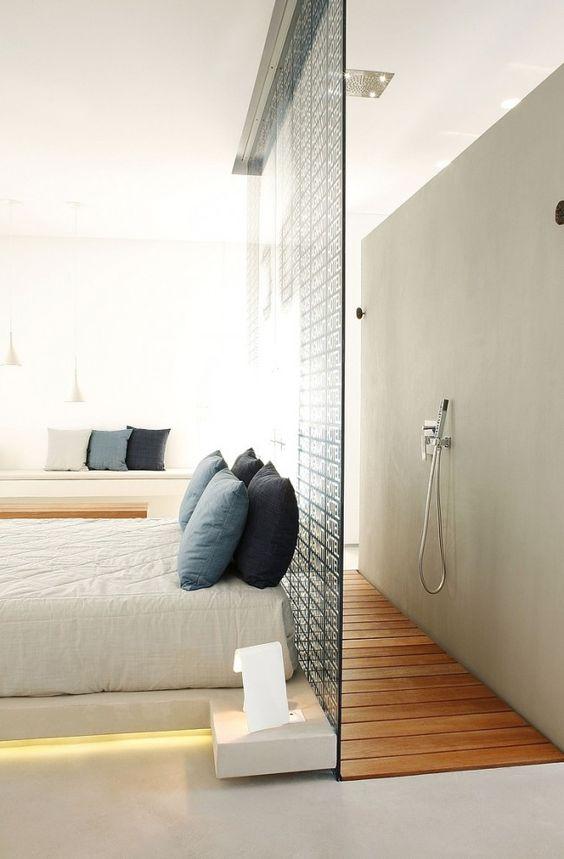 inloopdouche glazen douchewand slaapkamer