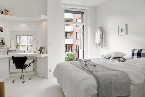 Kantoor in witte slaapkamer