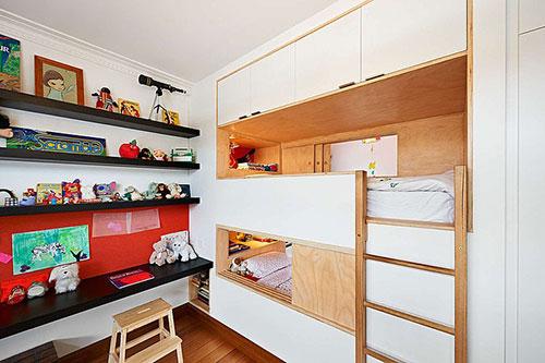 Kinderkamer inspiratie met inbouwmeubels  Slaapkamer ideeën
