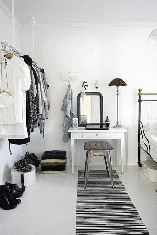 http://www.slaapkamer-ideeen.nl/wp-content/uploads/kledingrek-ophangen-slaapkamer.jpg