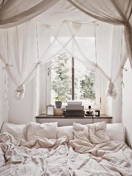 Kleine knusse slaapkamer slaapkamer idee n - Romantische witte bed ...
