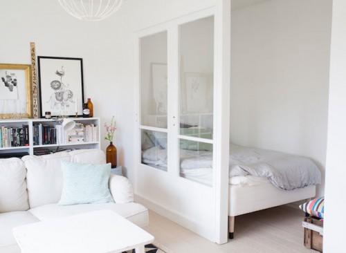 kleine slaapkamer met glazen scheidingswand | slaapkamer ideeën, Deco ideeën