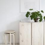 Serene slaapkamer met houten accenten