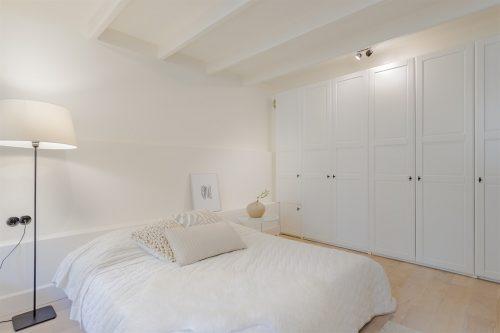 Lichte slaapkamer in souterrain | Slaapkamer ideeën