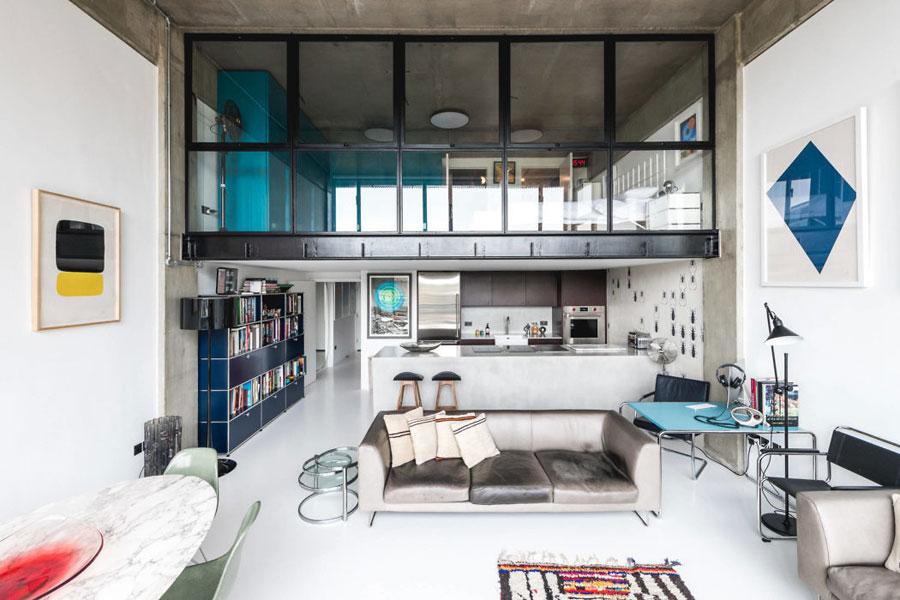 Loft slaapkamer op een halve verdieping