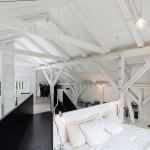 Loft slaapkamer van woonboerderij