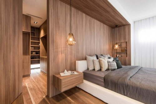 Luxe \'houten\' slaapkamer met geheime deur naar inloopkast ...