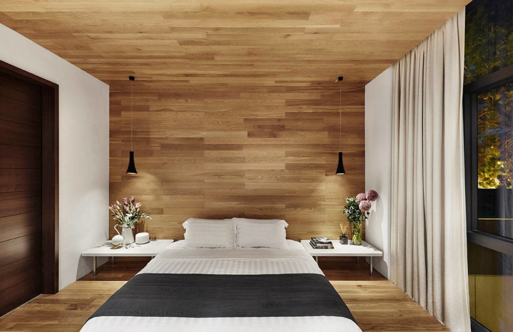 Luxe slaapkamer met houten vloer, wand en plafond | Slaapkamer ideeën
