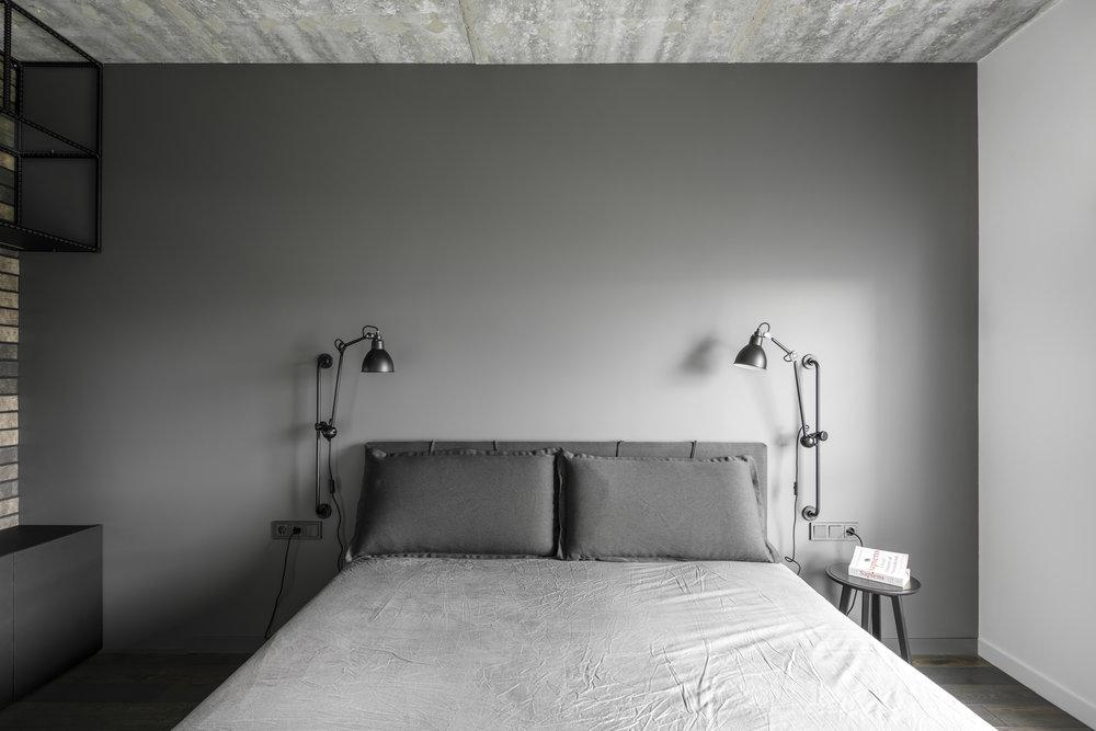 Minimalistische, moderne badkamer met een stoer industrieel tintje