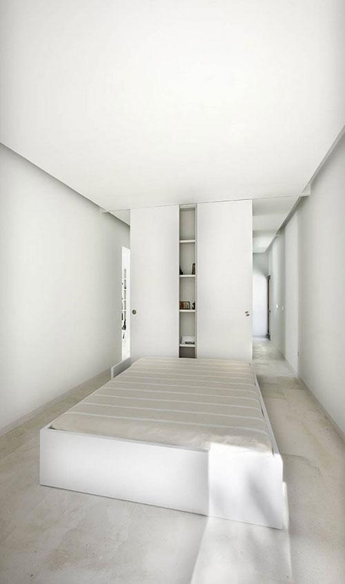 Minimalistische serene slaapkamer