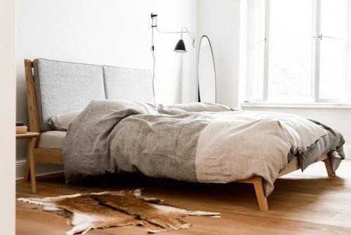 Minimalistische slaapkamer met hout  Slaapkamer ideeën