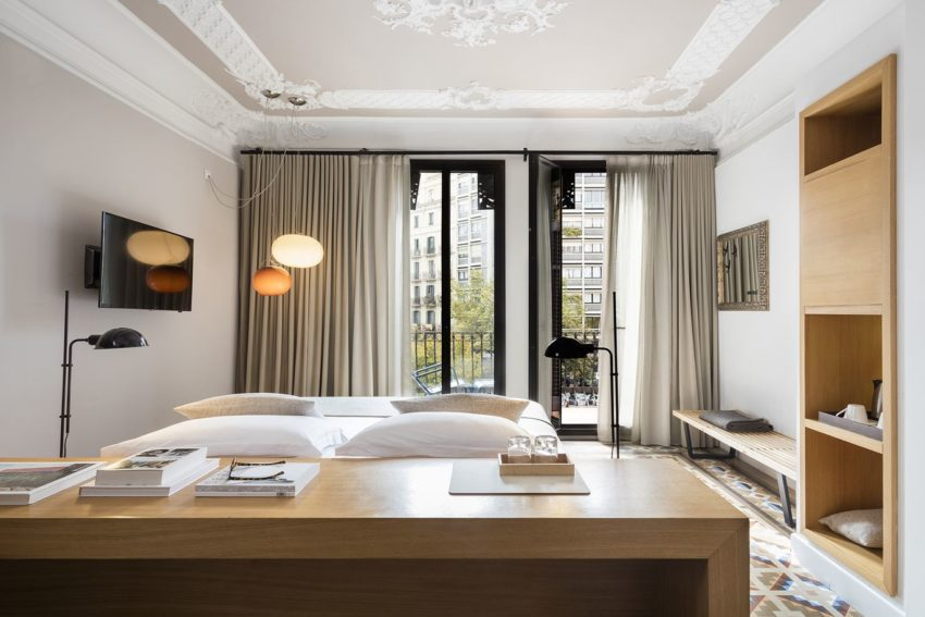 Modern afgewerkte karakteristieke slaapkamer van Hotel Alexandra