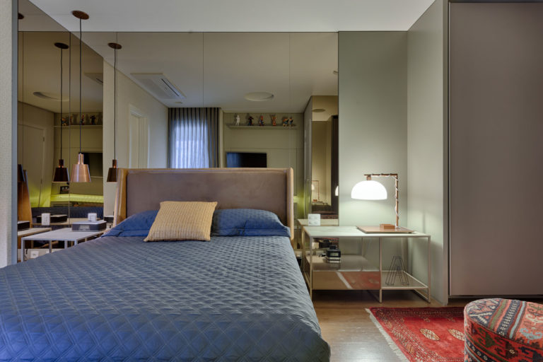 Moderne klassieke slaapkamer uit Brazilië met inloopkast ...