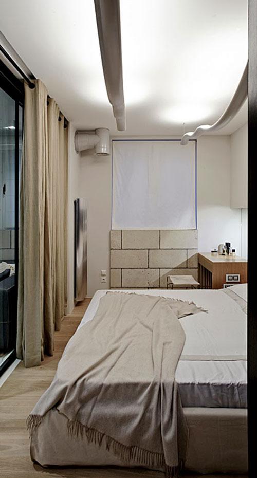 Moderne Slaapkamer Met Opvallende Accentwand Als Behangpapier Picture ...