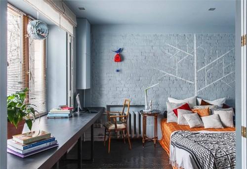 Mooie kleuren in een Russische slaapkamer