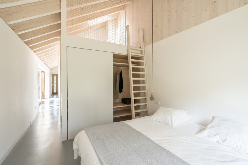 Slaapkamer Betonnen Vloer : Houten achterwand slaapkamer white bedspreads floor beds beste