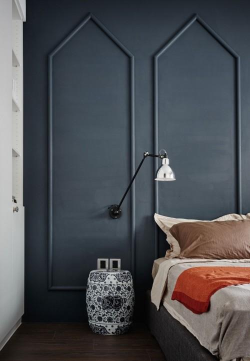 Slaapkamer Muur Ideeen : Muur met klassieke sierlijsten in slaapkamer ...