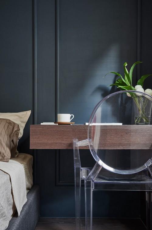 ... Slaapkamer Ideeen : Muur met klassieke sierlijsten in slaapkamer idee