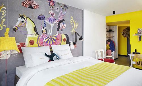 Muurschilderingen in de slaapkamers van 25Hours Hotel Wenen