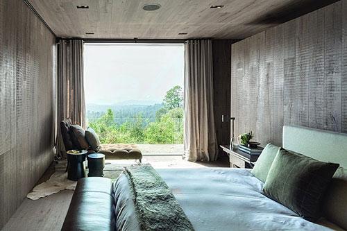 Natuurlijke slaapkamer met houten muren  Slaapkamer ideeën